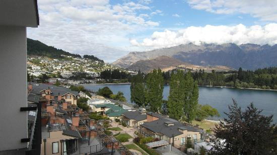 Rydges Lakeland Resort Hotel Queenstown: Queenstown from The Rydges