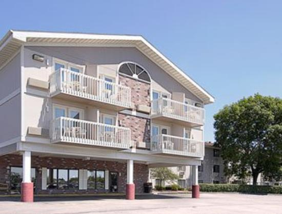 Super 8 Rochester/Fairgrounds Area: Welcome to Super 8 Rochester