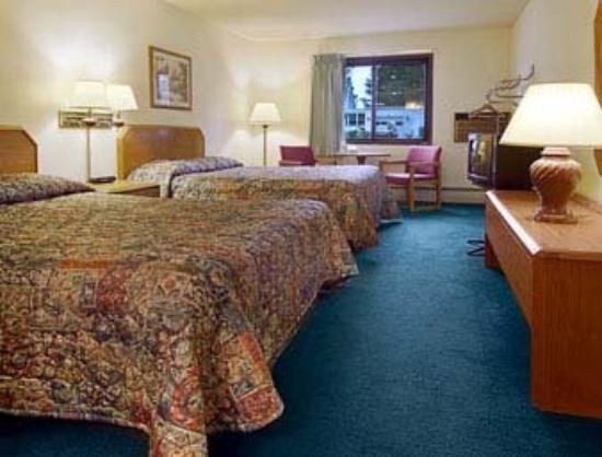Americas Best Value Inn: Standard Two Queen Bed Room
