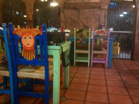 Mariscos Las Islitas: Cool decor.