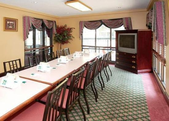 Quality Inn Ocean Springs: Meeting Room