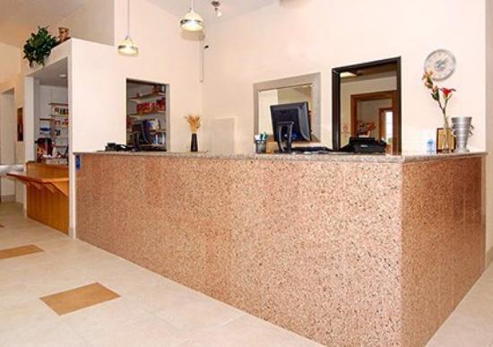 Rodeway Inn: Lobby (OpenTravel Alliance - Lobby view)