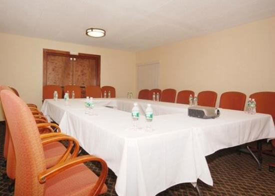 All Seasons Inn & Suites: Meeting Room