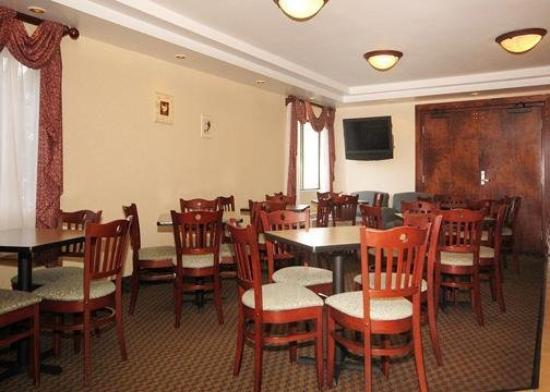 All Seasons Inn & Suites: Restaurant