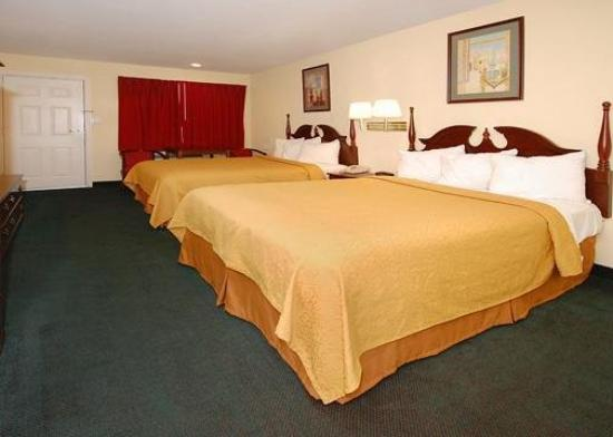 Quality Inn Pleasantville: Guest Room