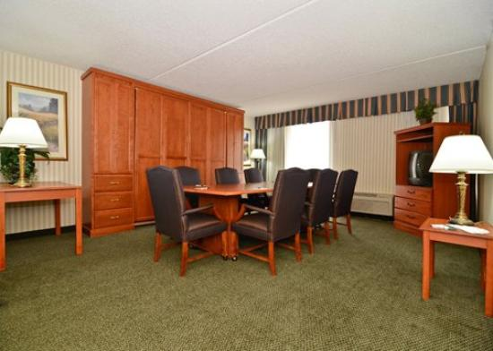 Quality Inn Camp Springs-Andrews AFB: Confrence room