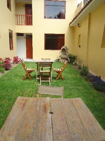 Hotel Casa de Mama Valle: jardin interior