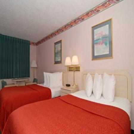 Quality Inn & Suites Kissimmee by The Lake: Beds 02