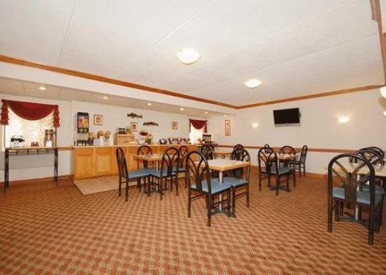 Howard Johnson Waukegan Great Lakes - UPDATED 2017 Motel ...