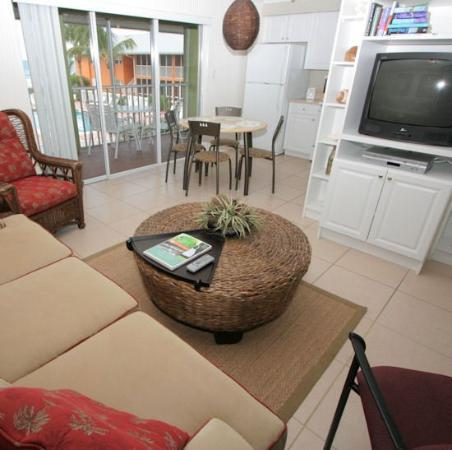 Silver Sands Gulf Beach Resort: Living Room