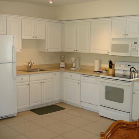 Silver Sands Gulf Beach Resort: Kitchen