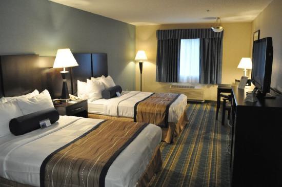Best Western Plus Berkshire Hills Inn & Suites: Guest Room