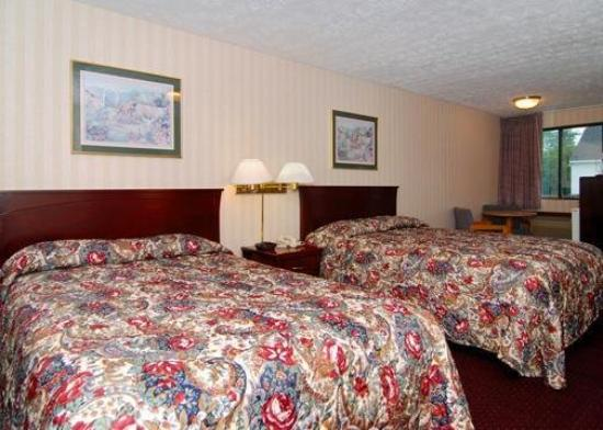 Rodeway Inn Branford: Guest Room