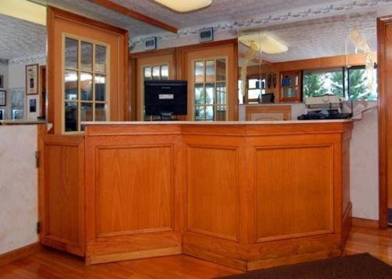 Rodeway Inn Branford: Lobby