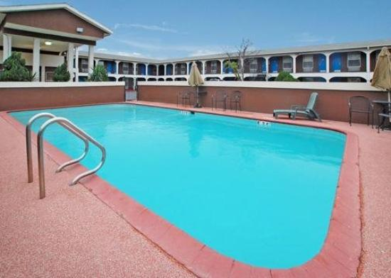 Rodeway Inn University / Downtown: Pool