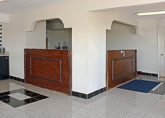 Scottish Inns & Suites McDonough : Lobby