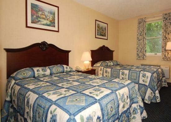Rodeway Inn Amish Country: Guest Room