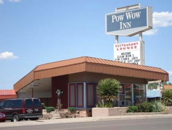 Pow Wow Inn : Exterior View