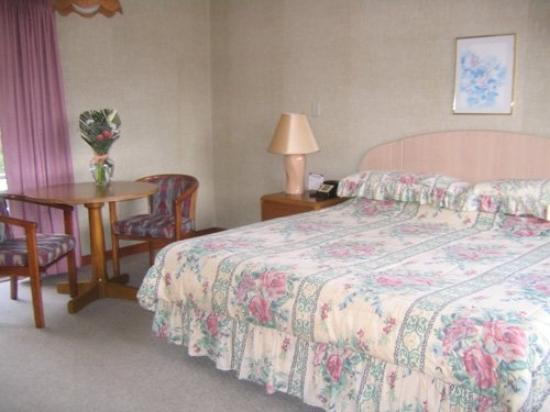 Town and Country Motor Inn Picture
