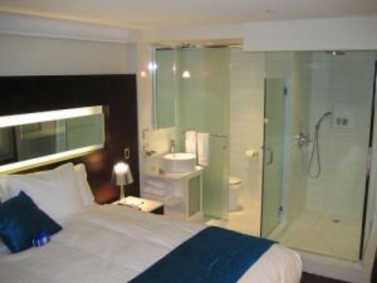Hotel Le Bleu: Guest room