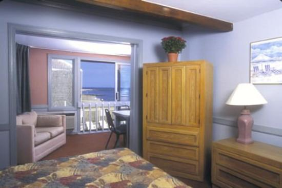 Corsair and Cross Rip Oceanfront: Suite Balcony