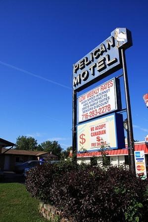 Pelican Motel Exterior View