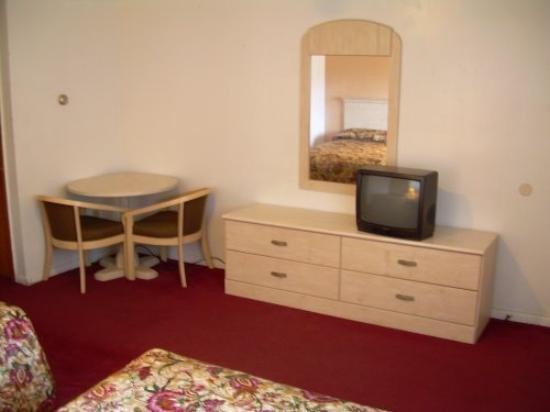 Pelican Motel: Guest Room