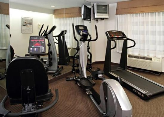 ‪سليب إن وودبريدج: VASleep Inn Fitness Room‬