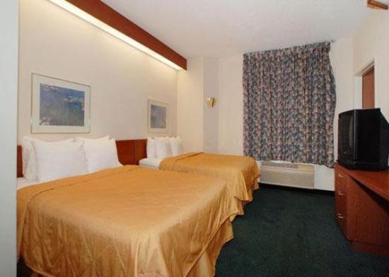Sleep Inn , Inn & Suites: Guest Room