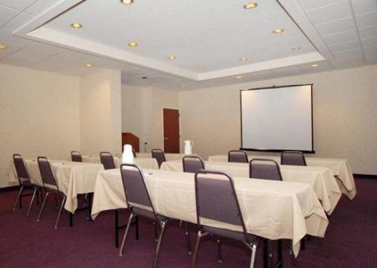 Baymont Inn & Suites Mooresville : Meeting Room