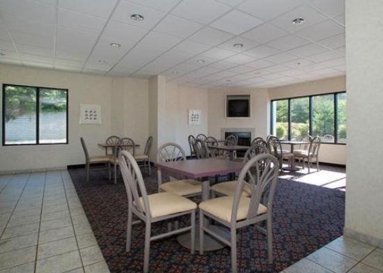 Baymont Inn & Suites Mooresville : Restaurant