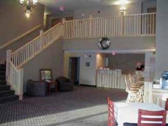 Hotel Hillsboro: Lobby View