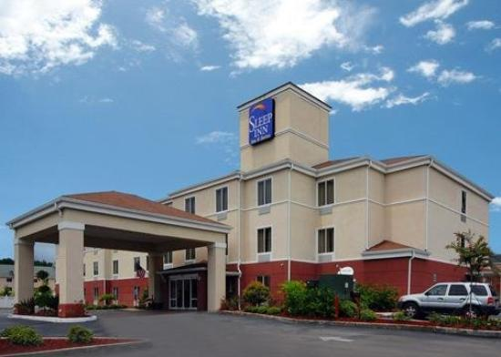 Sleep Inn & Suites: Exterior
