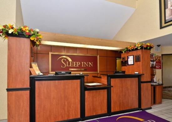 Sleep Inn Naperville: Lobby (OpenTravel Alliance - Lobby view)