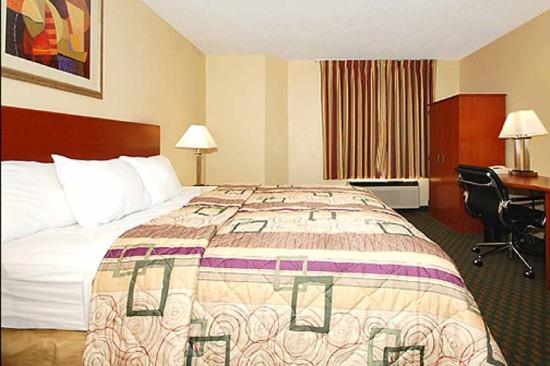 Sleep Inn near Ft. Jackson: Guest Room