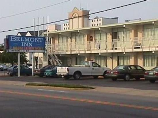 Belmont Inn & Suites: Exterior