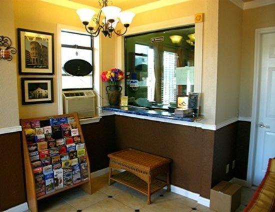 Alamo Inn Motel: Interior