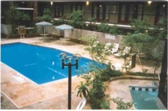 Kiva Hotel Amarillo: Pool