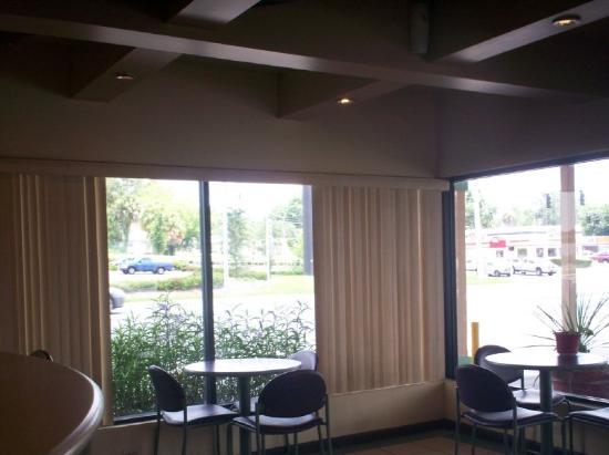 Ocala Inn: Lobby