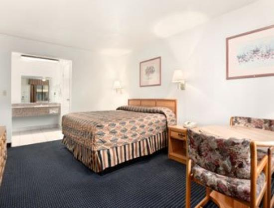 Travelodge Banning Casino and Outlet Mall: Standard King Room