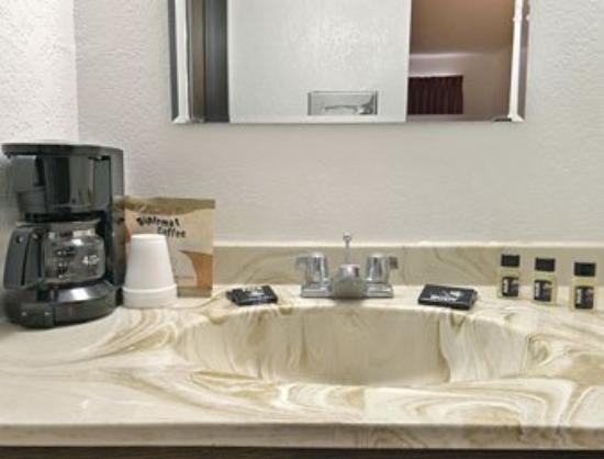 Travelodge Valleyfair Shakopee: Guest Room