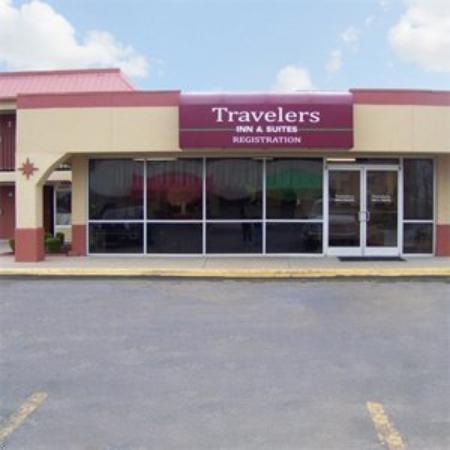 Traveler's Inn & Suites Oklahoma City Airport: Travelers Inn -Suites Oklahoma City Okexterior