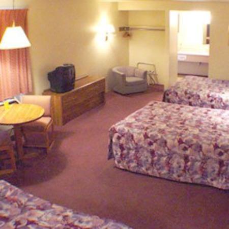 Golden Oak Inn : 3 Beds