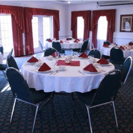 Centennial Inn Hotel & Apartments: Meeting Room