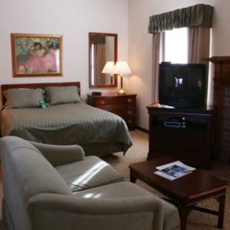 Centennial Inn Hotel & Apartments: Guest Room