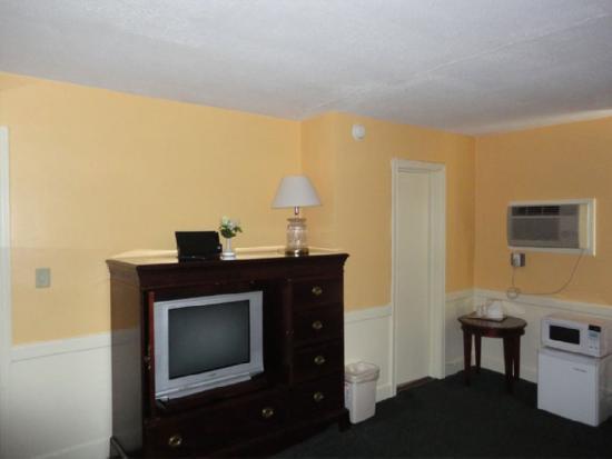 Royal Inn Motel: Amenities