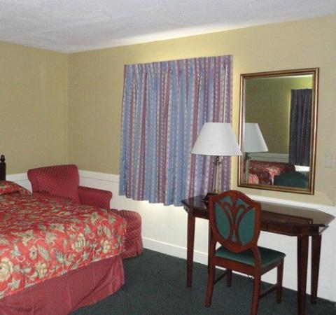 Royal Inn Motel: Workdesk