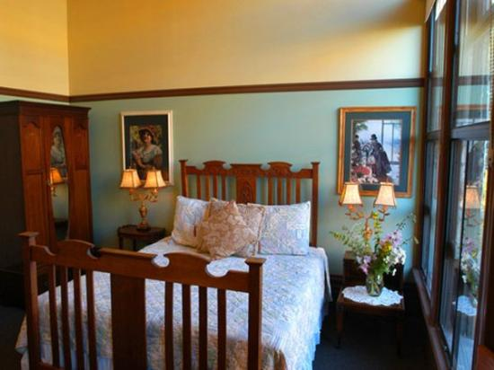 Palace Hotel Port Townsend: Guest Room