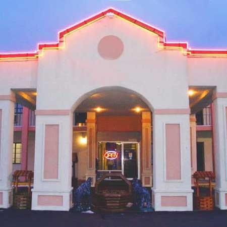 Allstate Inn: Exterior View