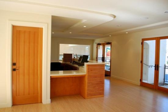 Bella Capri Inn & Suites: Lobby